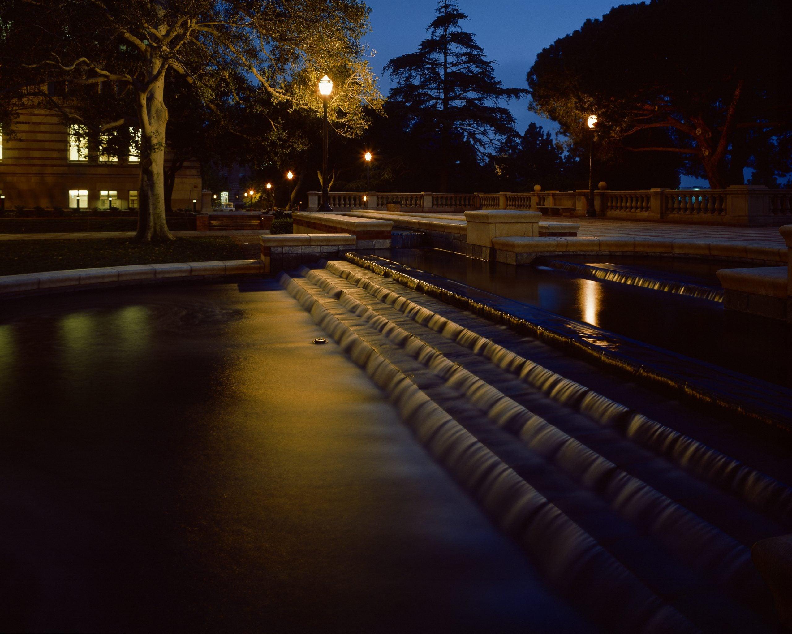 shapiro fountain at night